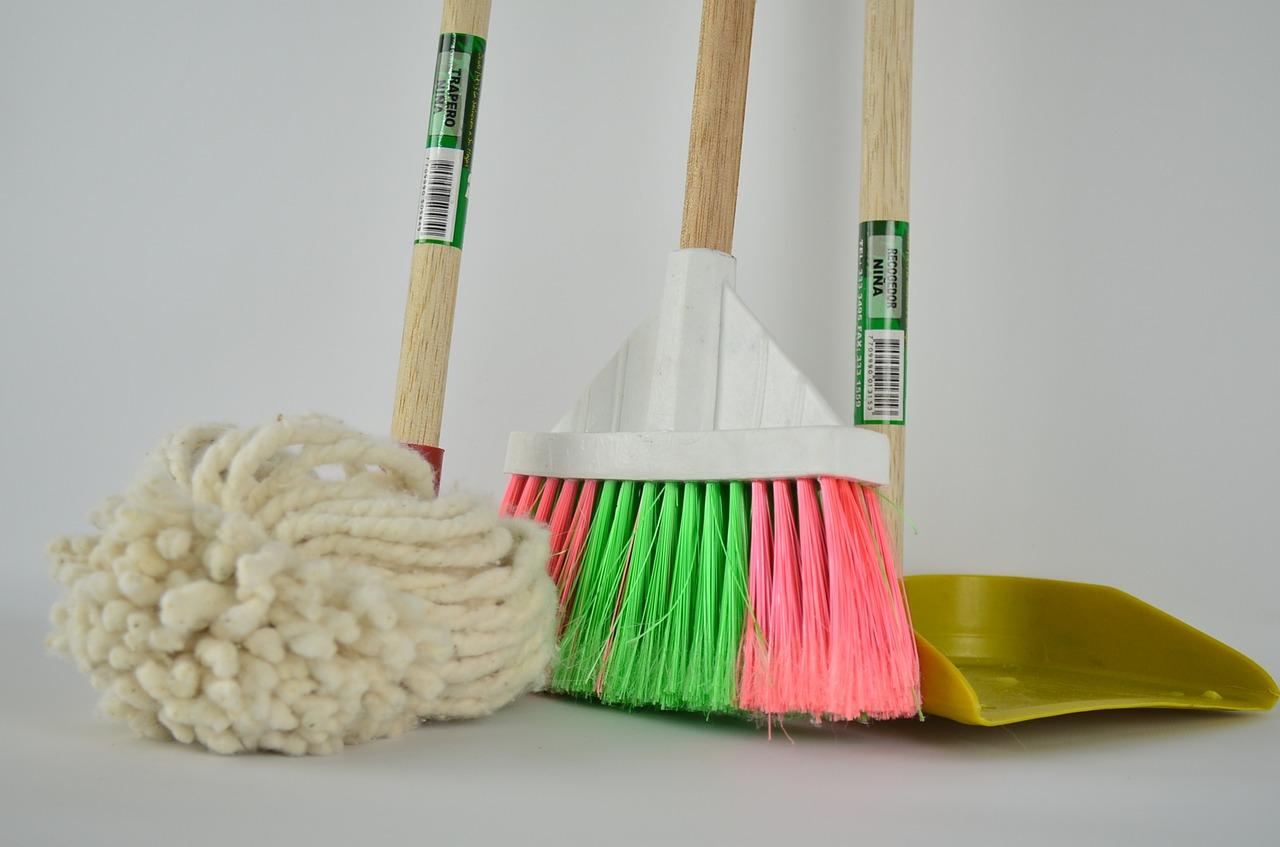 Les astuces pratiques pour nettoyer soi-même sa maison